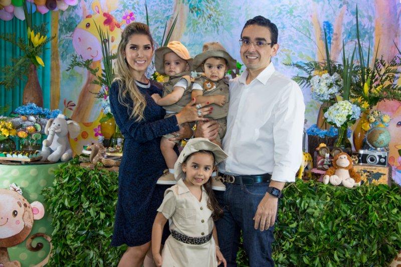 Triplo brinde - Georgeanne Benevides e Márcio Magalhães armam Jungle Party para festejar o aniversário dos herdeiros