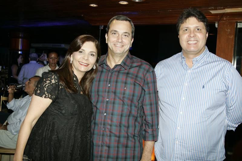 Ticiana e Kalil Otoch e Marcos Oliveira