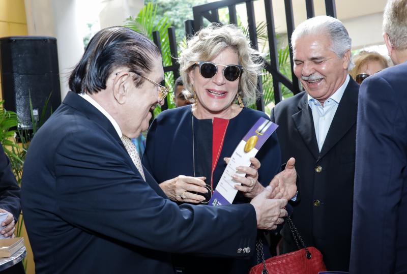 Mauro Benevides, Stela e Pio Rodrigues