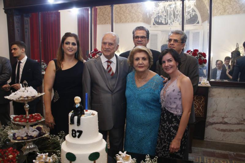 Luciana, Paulo Barbosa, Ester e Vicente de Castro, Paulo Filho e Renata Bastos