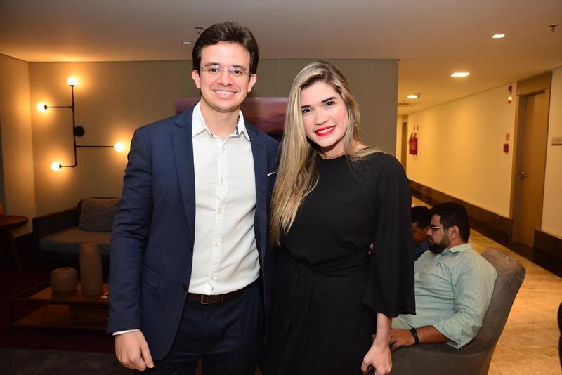 Rafael Albuquerque e Jessica Ximenes