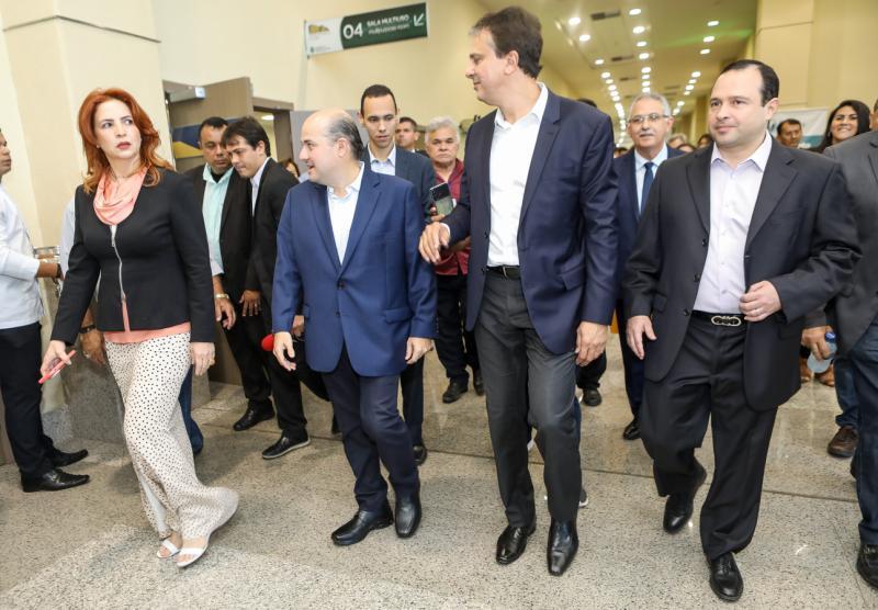 Enide Camara, Roberto Claudio, Camilo Santana e Igor Barroso