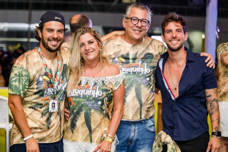 Claudio, Regina, Claudio e Pedro Campos