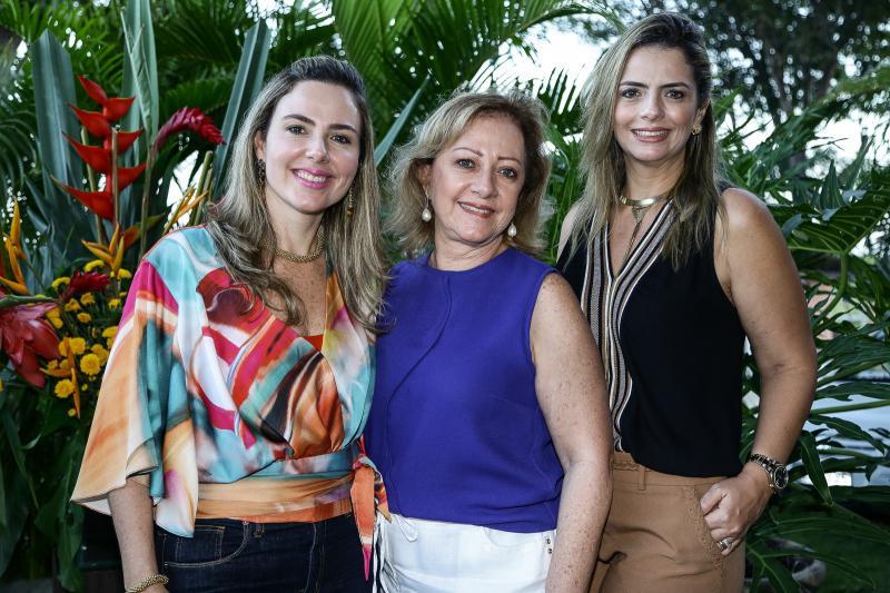 Suiane Dias Branco, Tania Teixeira e Tais Pinto