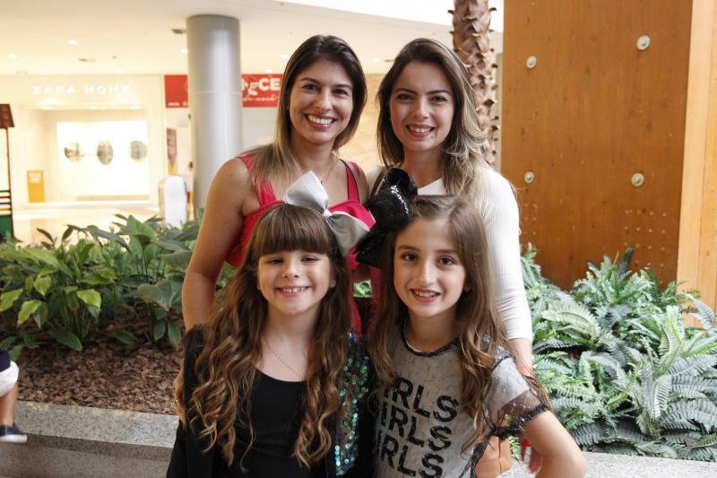 Camila Freitas, Maria Beatriz, Virginia e Julia Bezerril