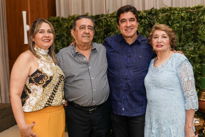 Geovana, Vicente, Paulo e Zilda Teixeira