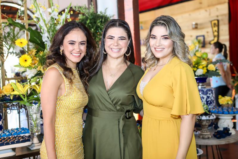 Bia Bezerra, Cristina e Tanara Joca