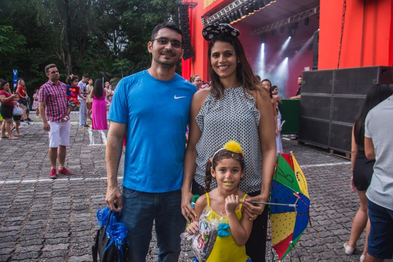 Glayson, Natalia e Melissa Carvalho