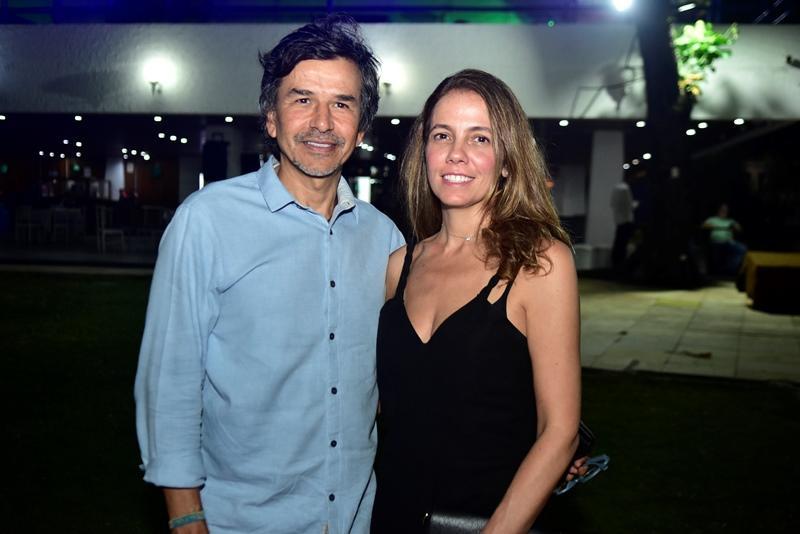Antonio Caminha e Juliana Borges