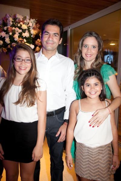Sarah, Raquel, Lina e Cândido Pinheiro