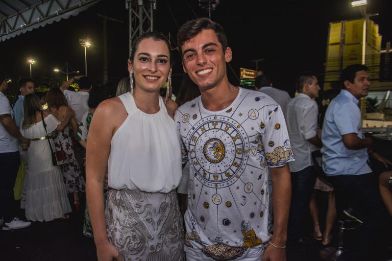 Clara Teixeira e Gabriel Valadao