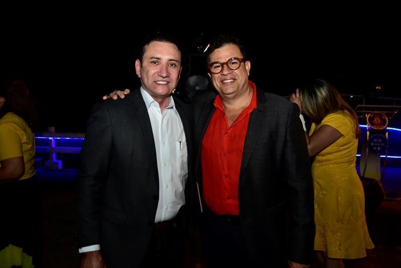 Adail Carneiro, Dimas Oliveira