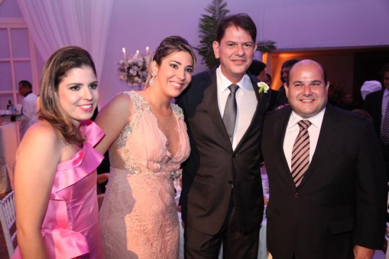 Carol Bezerra, Maria Celia e Cid Gomes e Roberto Claudio