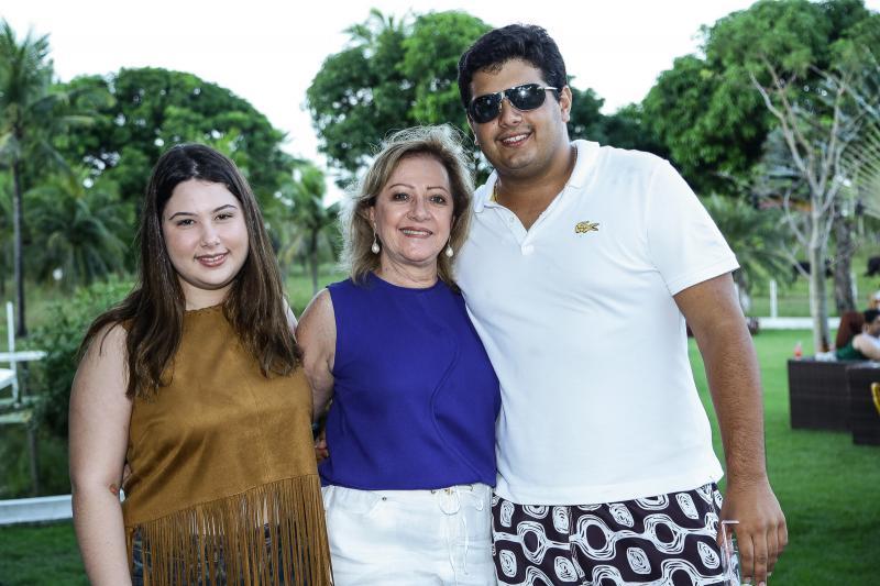 Marcela Dias Branco, Tania Teixeira e João Vitor Pinto