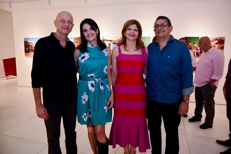 Heloisa e Demetrio Jereissati e Ivana e Jose Guedes