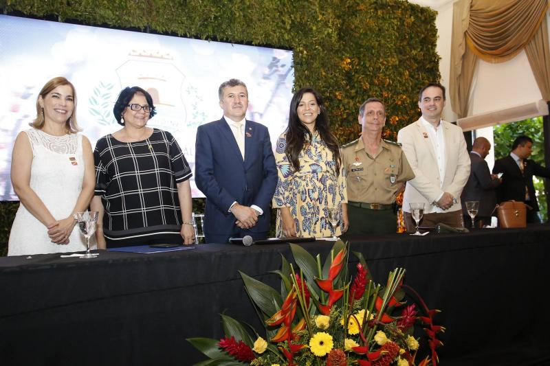 Maira Pinheiro, Damares Alves, Antonio Henrique, Priscila Costa, General Cunha Matos e Capitao Wagner 2