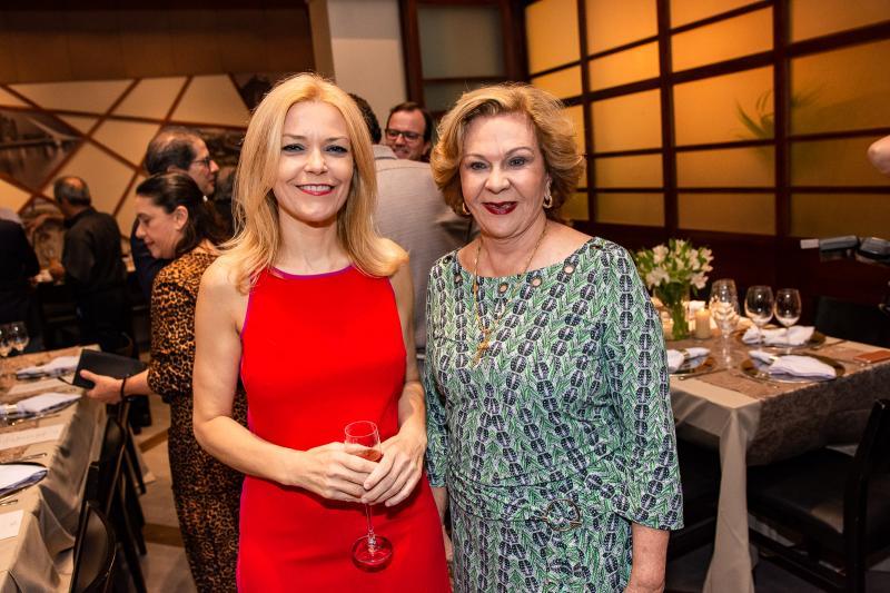Ana Cristina Pedroso e Auxiliadora Paes Mendonca