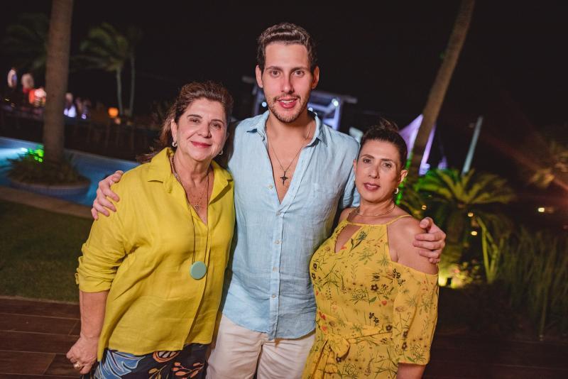 Denise Figueiredo, Gabriel Dias Branco e Regina Dias Branco