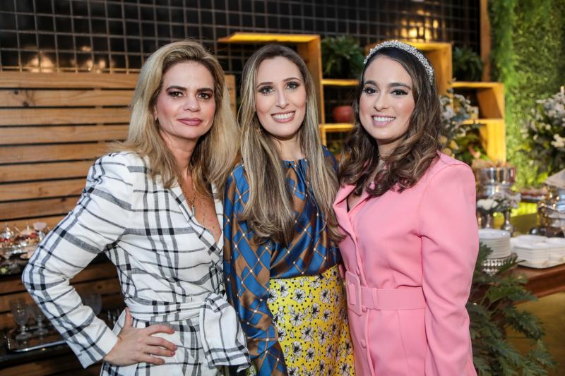 Germana Cavalcante, Monique Sales e Marcela Medina