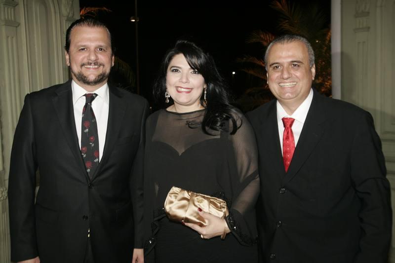 Adrizio, Sellene e Max Camara