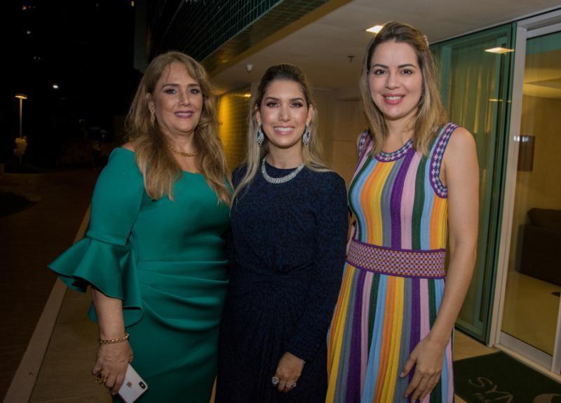 Mariza e Georgeanne Benevides e Onelia Santana