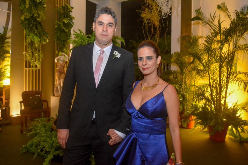 Dieter Kuehnitzsch e Yohana Aguiar