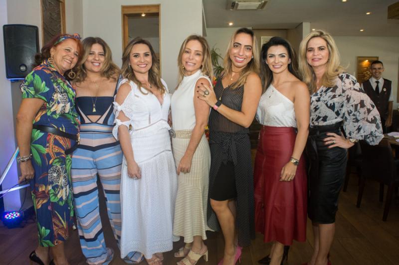 Fatima Duarte, Montiele Arruda, Socorro Medeiros, Ana Paula, Mabel Portela, Monalisa e Germana Cavalcante