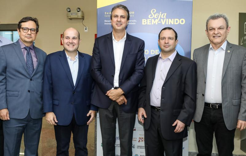 Edilberto Pontes, Roberto Claudio, Camilo Santana, Igor Barroso e Sarto Nogueira