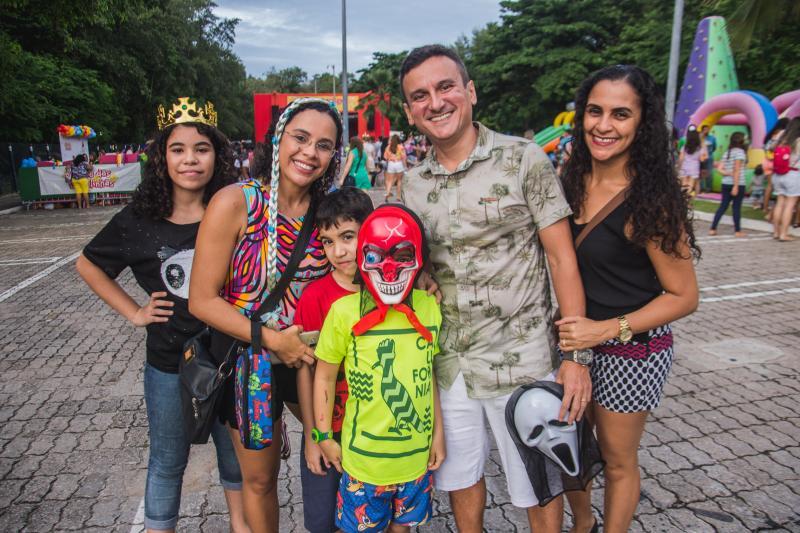 Mariana Felix, Michele Silva, Andre Matias, Pedro Arthur, Raul Benicio e Marcia Silva