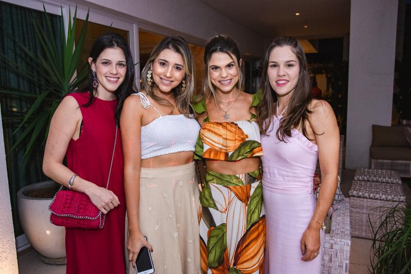 Nayana Azevedo, Amanda Diniz, Mariana Pinto e Daniela Eloy