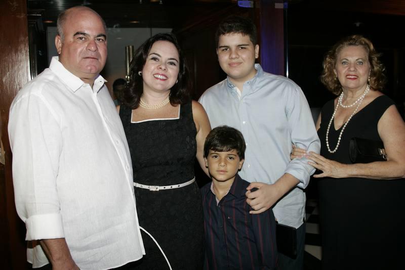 Luciano, Denise, Leopoldo e Lorenzo Cavalcante e Dulce Lucena