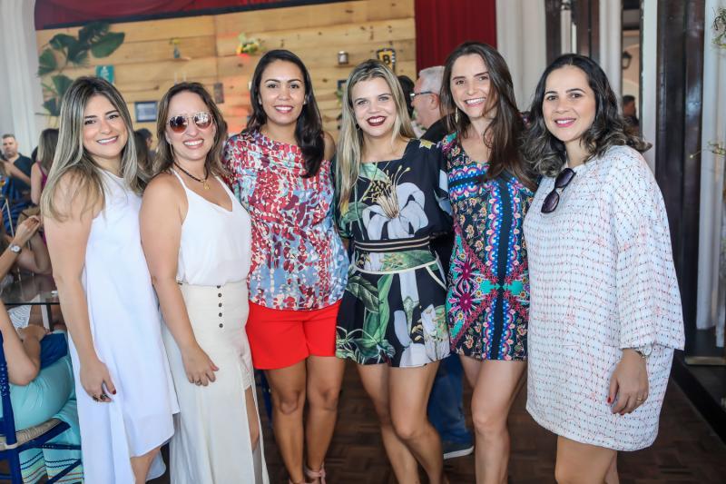 Mara Santos, Juliana Moreira, Patricia Queiroz, Itala Menezes, Elisangela Garcia e Nadja Avila