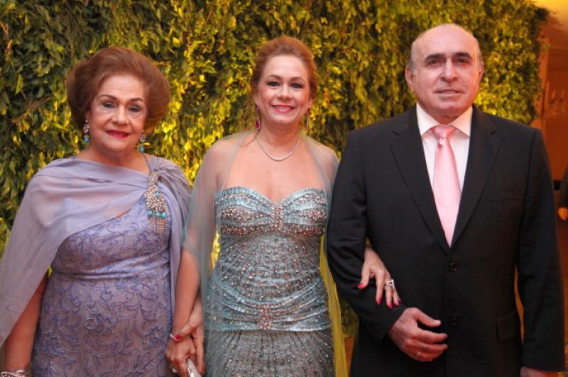 Beatriz e Sarah Philomeno e Walkmar Santos