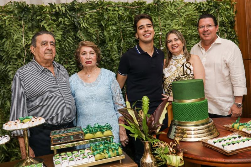 Vicente, Zilda e Davi Teixeira, Geovana e Vicente de Paula