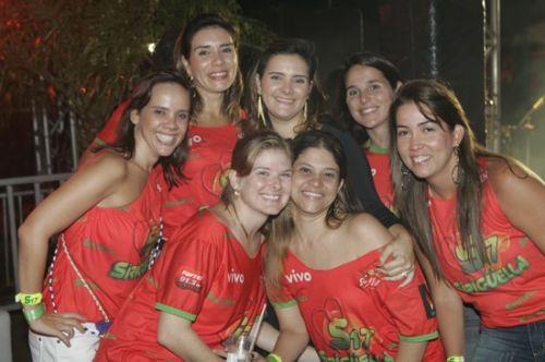 Revia Lima, Anne Alcantara, Ira Frota, Joana Alvim, Ana Vladia, Carol Frota e Danielle Ferbentz