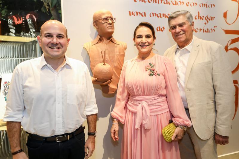 Roberto Claudio, Patricia e Amarilio Macedo