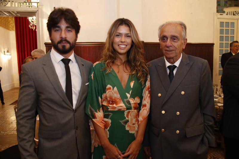 Antonio Guimaraes, Leticia Cunha e Joao Guimaraes