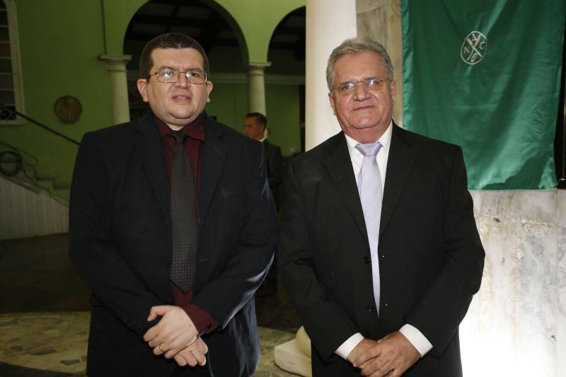 Salomao de Castro e Gutemberg Figueiredo