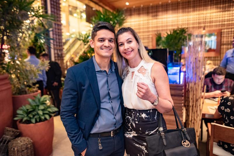 Rodrigo Burbon e Tazia Oliveira