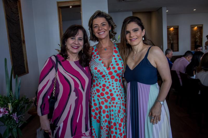 Martinha Assuncao, Ana Cristina Wolf e Fabiana Lustosa