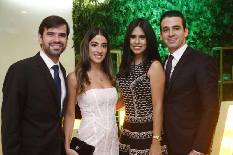 Manuel e Manuela Linhares, Marjorie Rocha e Rodrigo Linhares 1