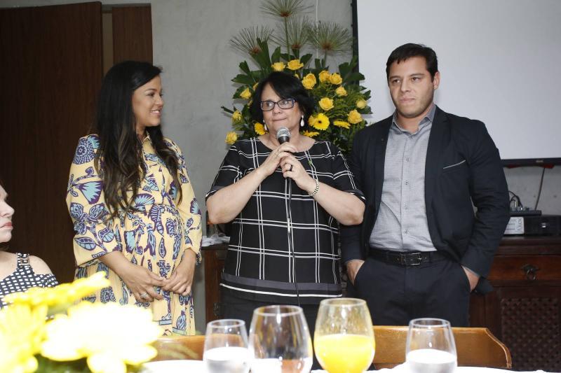 Priscila Costa, Damares Alves e Jose Roberto 1
