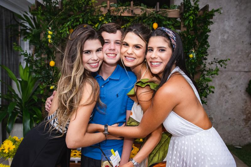 Julia, Fredinho, Mariana e Marcela Pinto