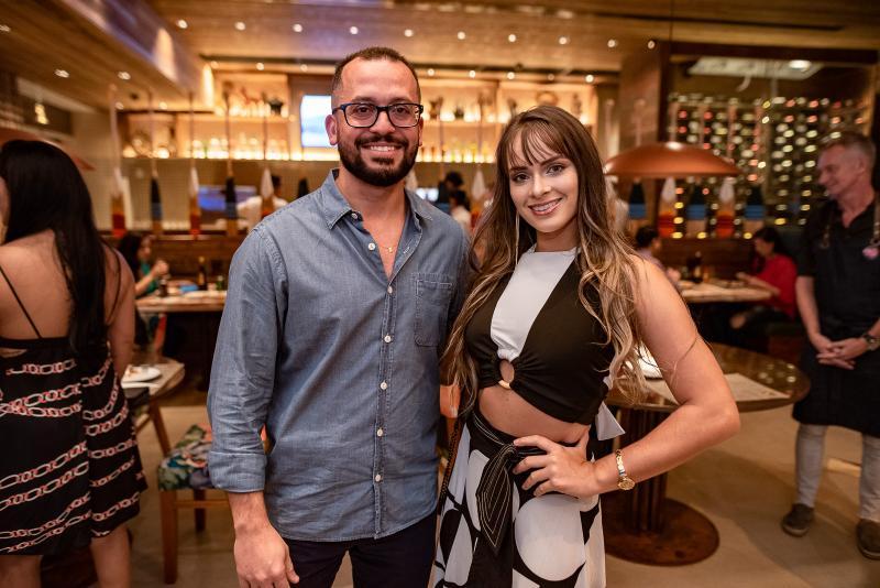 Andre Costa e Vitoria Sarah