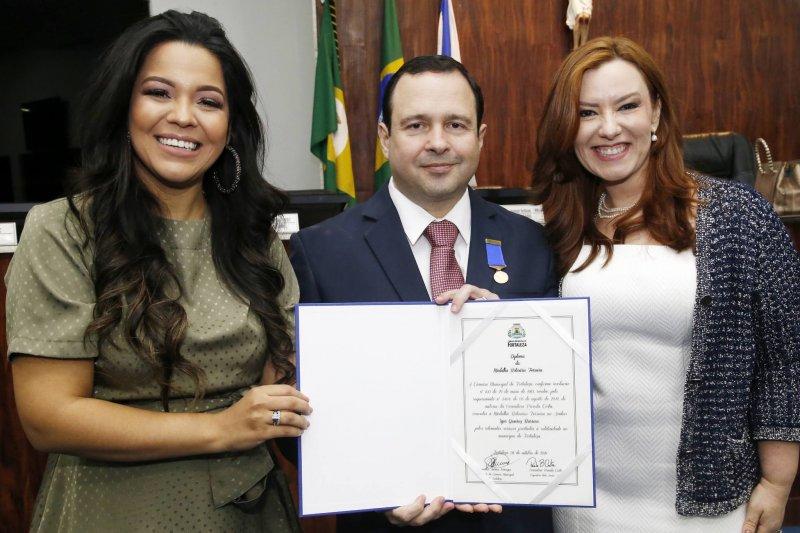 homenagem - Em prestigiada solenidade, Igor Queiroz Barroso é agraciado com a Medalha Boticário Ferreira
