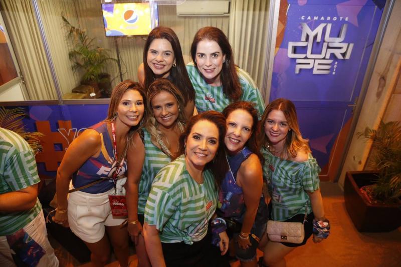 Laisa Albuquerque, Thais Jereissati, Renata Cabral, Alessandra Bezerril, Renata Serpa, Anelisa Mota e Sabrina Carreiro