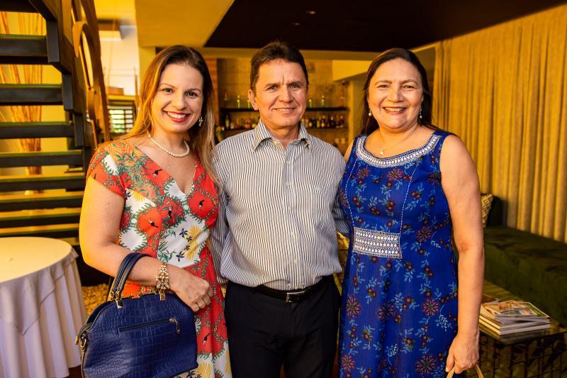 Ticiane Aragao, Mauricio Gomes e Vania Chaves