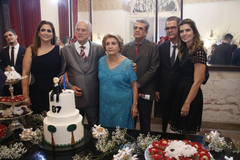 Luciana, Paulo Barbosa, Ester Castro, Paulo Filho, Vicente e Ines de Castro