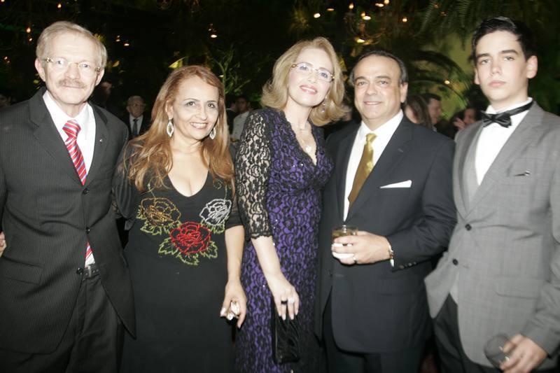 Emanuel e Teresa Albuquerque, Eugenia, Anselmo e Nicolas Mororo