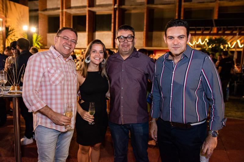 Junior Guabiaraba, Giovana Quindere, Hemerson Maranhao e Clovis Holanda